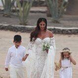 Anabel Pantoja llegando a su boda con sus sobrinos
