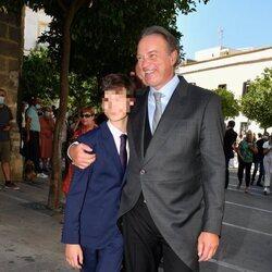 Bertín Osborne y su hijo Carlos en la boda de su hija Claudia Osborne