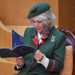 Camilla Parker durante la sesión inaugural del Parlamento de Escocia
