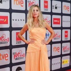 Ana Fernández en la alfombra roja de los Premios Platino 2021