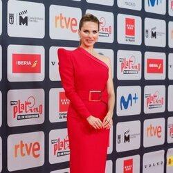 Vanesa Romero en la alfombra roja de los Premios Platino 2021