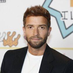 Pablo Alborán posa en la cena de nominados de Los 40 Music Awards 2021