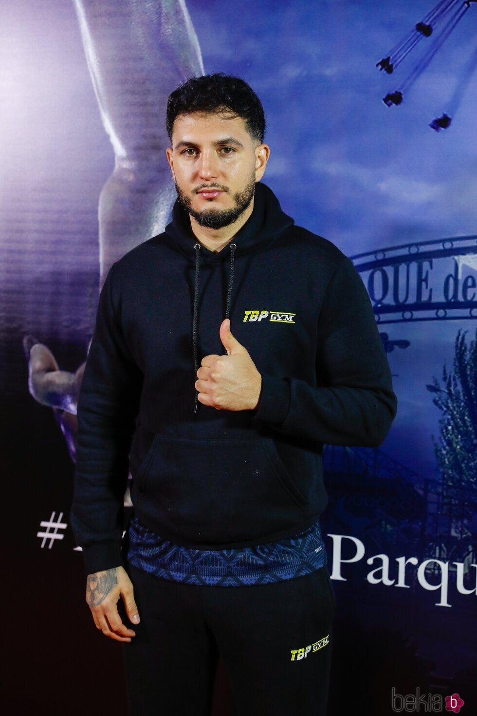 Omar Montes en la fiesta de Halloween del Parque de Atracciones de Madrid 2021
