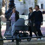 Beatriz de York y Edoardo Mapelli Mozzi en su primer paseo con su hija Sienna