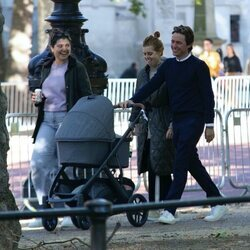 Beatriz de York y Edoardo Mapelli Mozzi paseando por primera vez con su hija Sienna por Londres