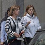 Beatriz de York con su suegra Nikki Williams-Ellis