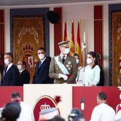 Los Reyes Felipe y Letizia y Pedro Sánchez en el Desfile Militar del Día de la Hispanidad 2021