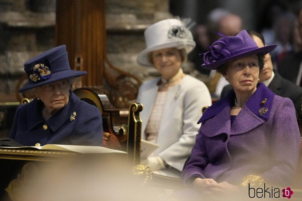 La Reina Isabel y la Princesa Ana en el centenario de la Royal British Legion