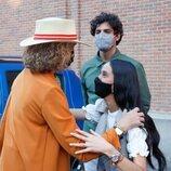 Victoria Federica hace la reverencia a la Infanta Elena en presencia de Tomás Páramo en Las Ventas