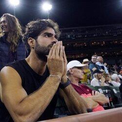 Juan Betancourt, muy nervioso ante las jugadas de su novia Paula Badosa en el torneo Indian Wells