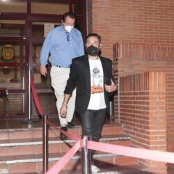 Antonio David Flores saliendo de una Comisaría de Policía de Madrid