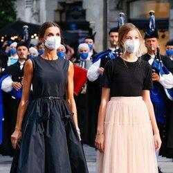 La Reina Letizia y la Infanta Sofía en los Premios Princesa de Asturias 2021