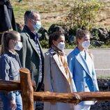 Los Reyes Felipe y Letizia, la Princesa Leonor y la Infanta Sofía paseando por Santa María del Puerto, Pueblo Ejemplar 2021