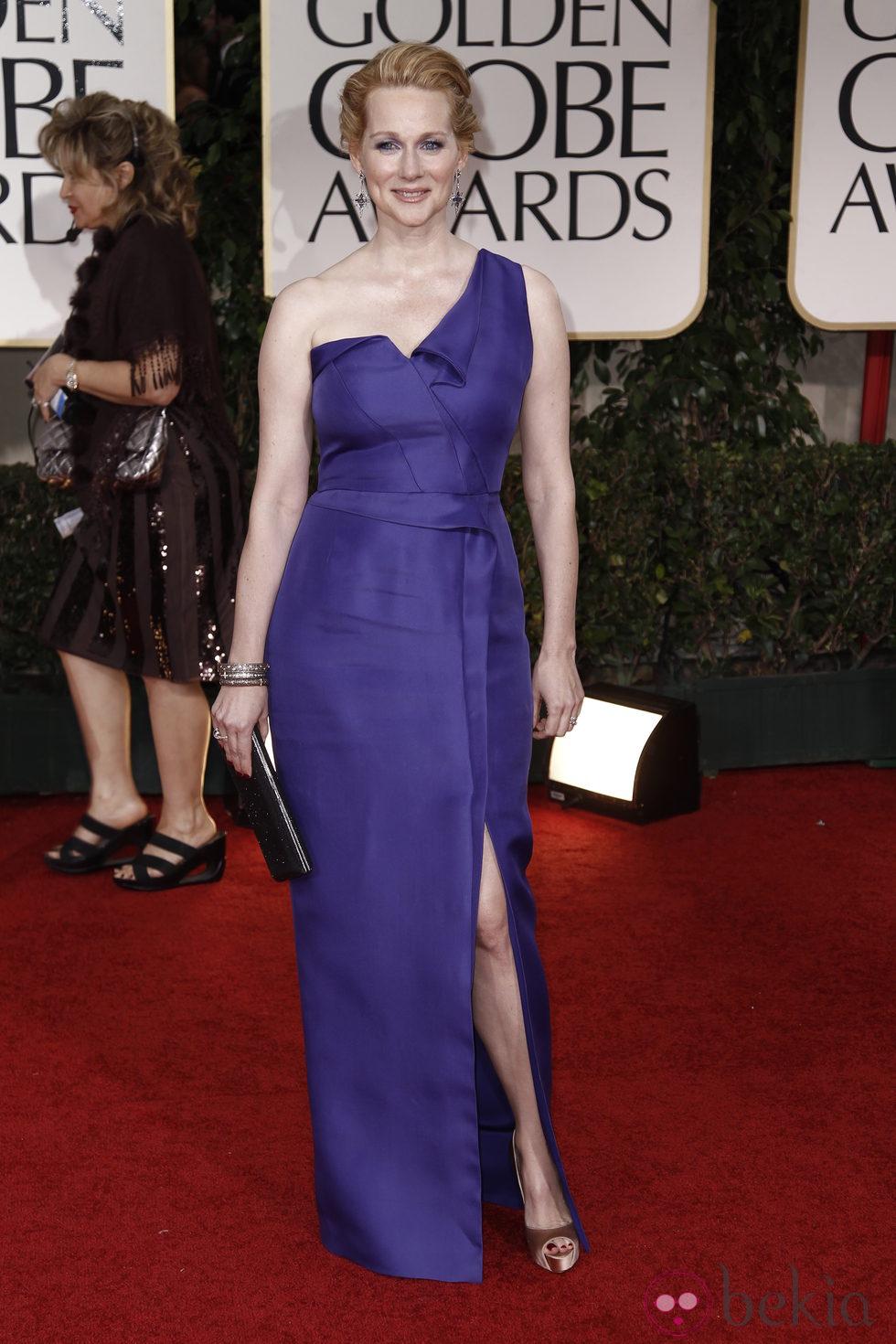 Laura Linney en la alfombra roja de los Globos de Oro 2012