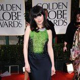 Zooey Deschannel en la alfombra roja de los Globos de Oro 2012