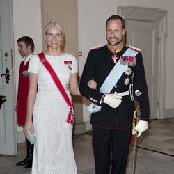 Haakon y Mette-Marit de Noruega en la celebración de los 40 años en el trono de Margarita de Dinamarca