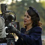 Adriana Ugarte en el rodaje de 'El tiempo entre costuras'