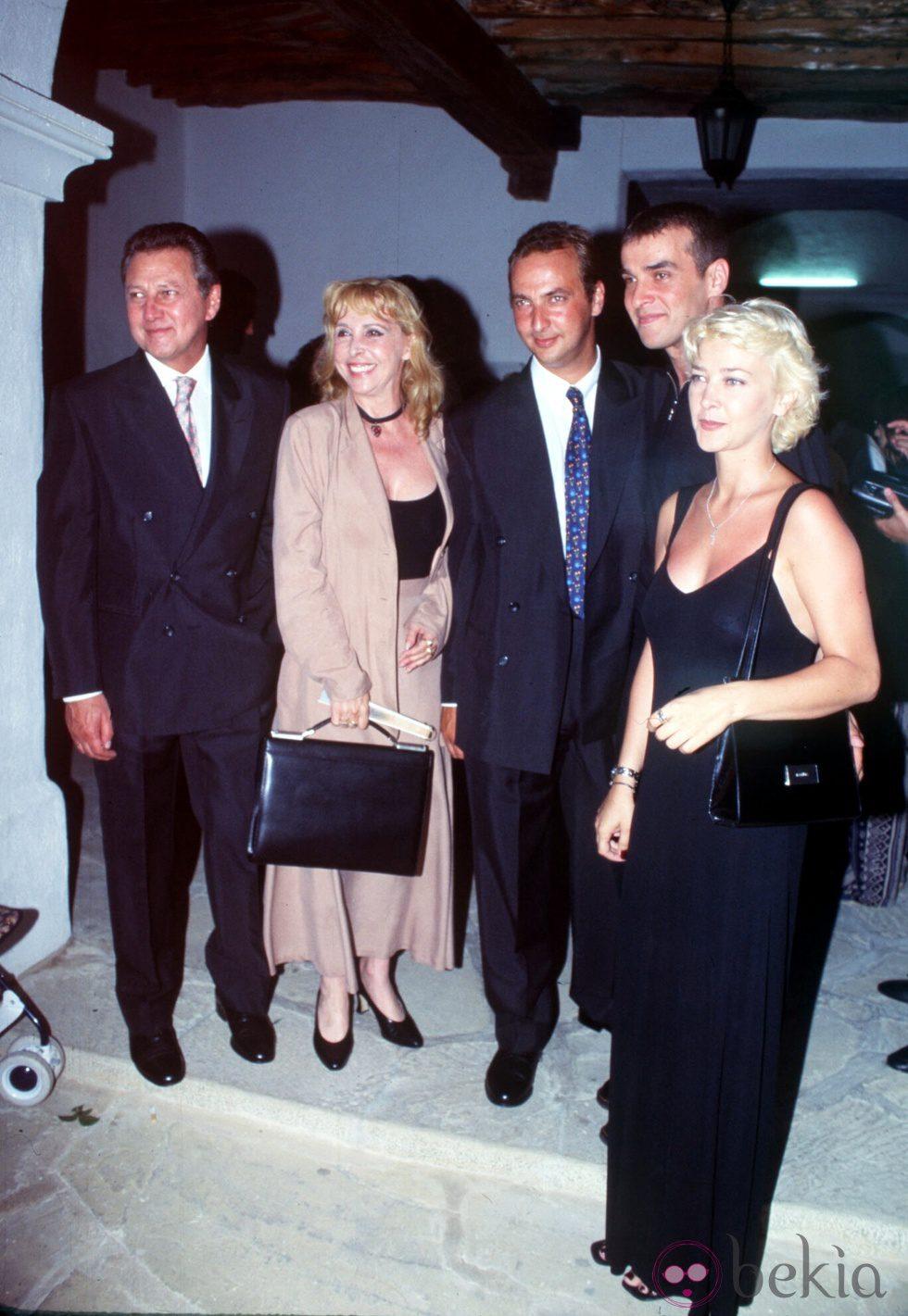 Los Larrañaga en la boda de Pedro Larrañaga en 1996