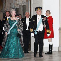 Margarita y Enrique de Dinamarca en la cena de gala al Cuerpo Diplomático