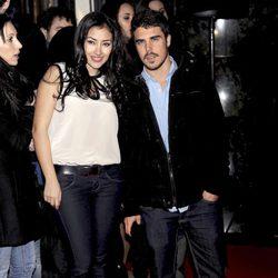 Giselle Calderón y Javier Hernández en el estreno de 'Promoción Fantasma'