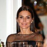 La Reina Letizia, muy sonriente en la entrega del Premio Francisco Cerecedo a Anne Applebaum