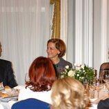 Los Reyes Felipe y Letizia con Anne Applebaum en la entrega del Premio Francisco Cerecedo a Anne Applebaum