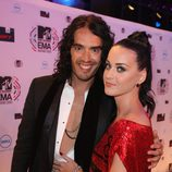 Katy Perry y Russell Brand muy acaramelados