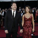 Penélope Cruz y Javier Bardem cogidos de la mano en los Oscar 2011