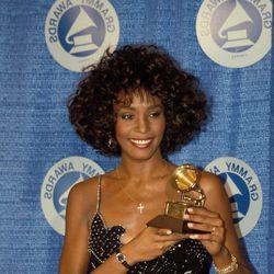 Whitney Houston con su primer Grammy