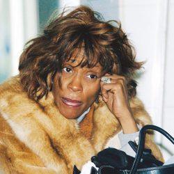 Whitney Houston, muy desmejorada en 2005