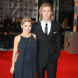 Elsa Pataky y Chris Hemsworth en los Bafta 2012