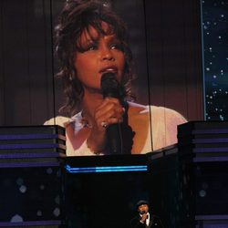 Homenaje a Whitney Houston durante los Grammy 2012