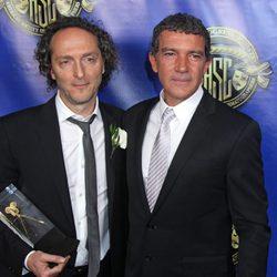 Emmanuel Luberzki y Antonio Banderas en los premios de la American Society of Cinematographers