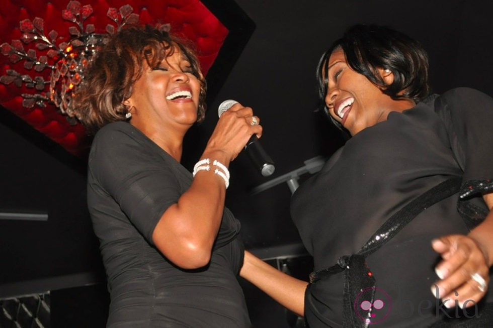 Whitney Houston cantando dos días antes de morir