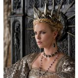 Charlize Theron como la reina de 'Blancanieves'