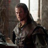 Chris Hemsworth en una escena de la nueva versión de 'Blancanieves'