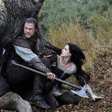Chris Hemsworth y Kristen Stewart en una escena de la nueva versión de 'Blancanieves'
