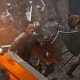 Kristen Stewart en una escena de lucha de la película 'Blancanieves'
