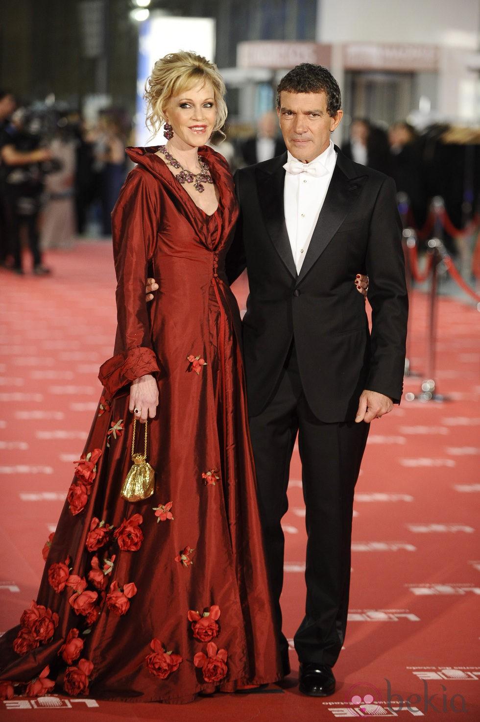 Antonio Banderas y Melanie Griffith en la alfombra roja de los Goya 2012