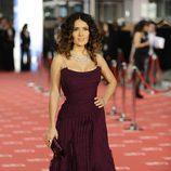 Salma Hayek en la alfombra roja de los Goya 2012