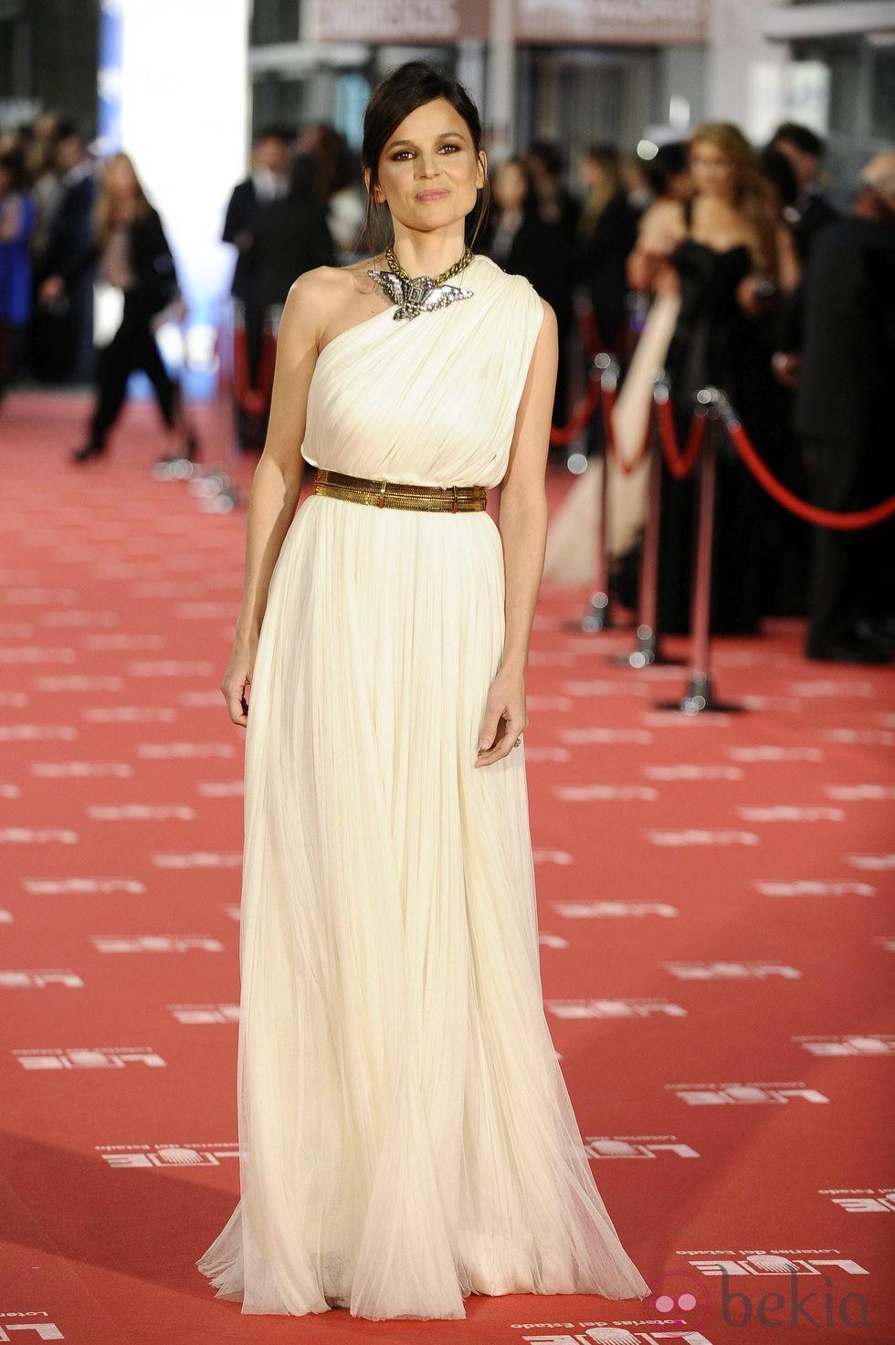 Elena Anaya en la alfombra roja de los Goya 2012