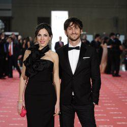 Alicia Rubio y Raúl Arévalo en la alfombra roja de los Goya 2012