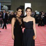 Inma Cuesta y María León en la alfombra roja de los Goya 2012