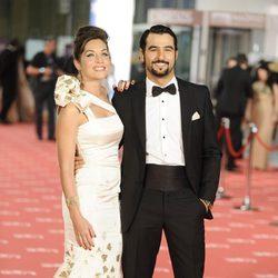 Leire Martínez y Antonio Velázquez en la alfombra roja de los Goya 2012