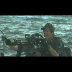 Rihanna en una escena de acción en la película 'Battleship'