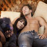Darek junto a la cantante Anamor en su nuevo videoclip