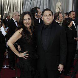Jonah Hill en la alfombra roja de los Oscar 2012 con su madre