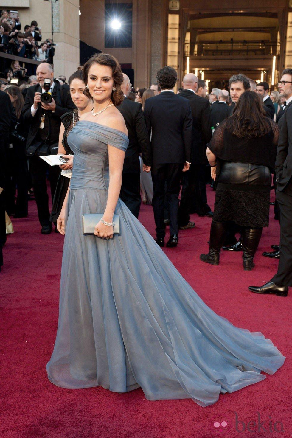 El vestido de Penélope Cruz en la alfombra roja de los Oscar 2012