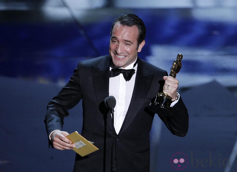 Jean Dujardin recoge su Oscar 2012 como Mejor Actor Principal