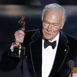 Christopher Plummer recoge su Oscar 2012 como Mejor Actor Secundario